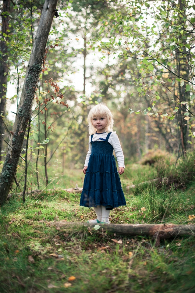 Little Miss Hatboy in the forest (1)