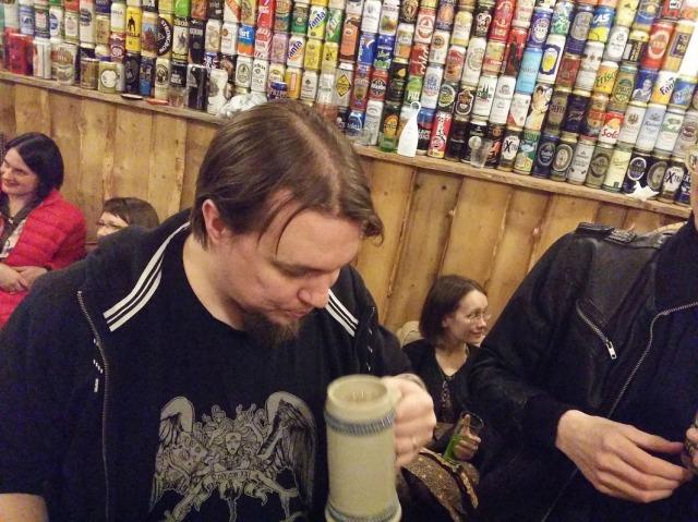 The Pas at bar, 4